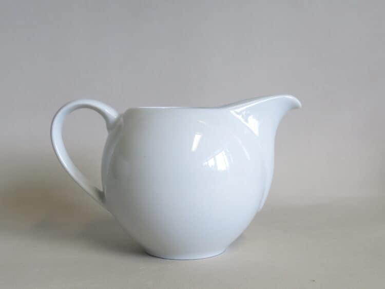 Runder Milchgießer Venus 350 ml aus weißem Porzellan