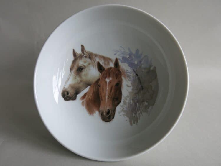 Frühstücksgeschirr Porzellan tiefe Schale 18cm mit Pferdeköpfen Schimmel und Fuchs