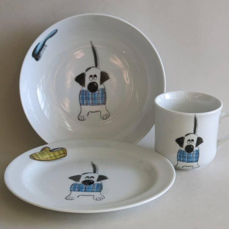 Kindergeschirr Porzellan Set kleiner Becher 230ml, tiefe Schale 18cm und flacher Teller 19cm mit Basset Strolch