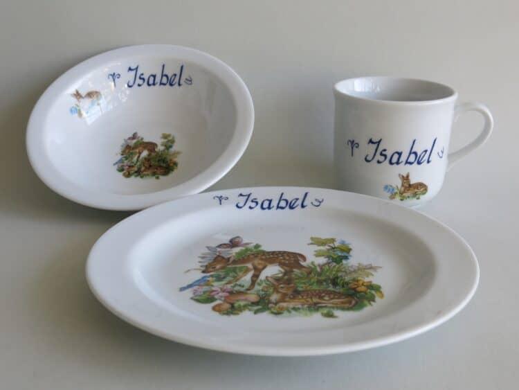 Kindergeschirr Porzellan Set, kleiner Becher 230ml, Müslischüssel 16cm, und flacher Teller 19cm mit Rehkitz im Wald und Namen