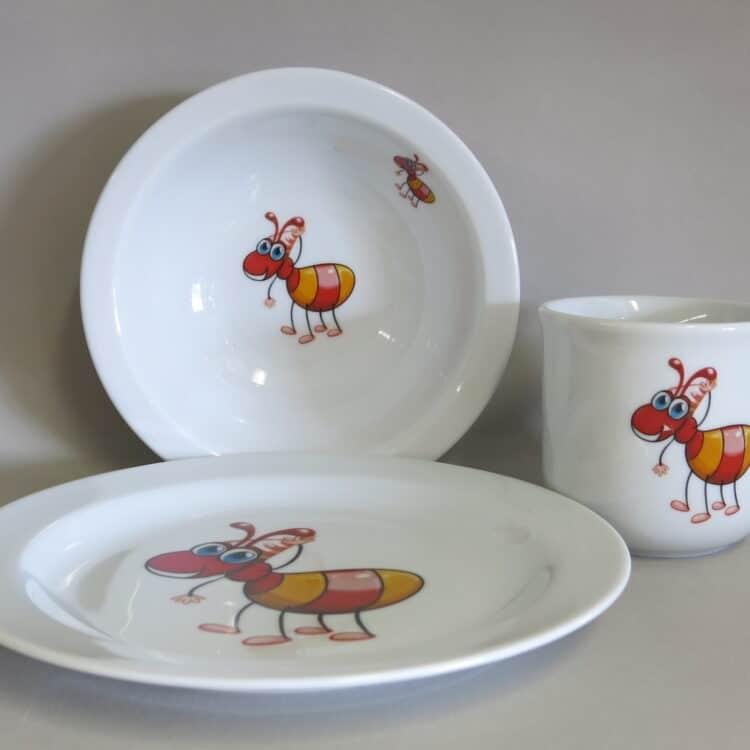 Kindergeschirr Porzellan Set , kleiner Becher 230ml, Müslischüssel 16cm und flacher Teller 19cm mit Anton Ameise