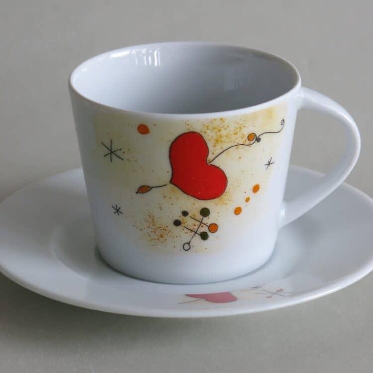Moderne Porzellan Tasse Clio Motiv nach Herz Miro Vogel