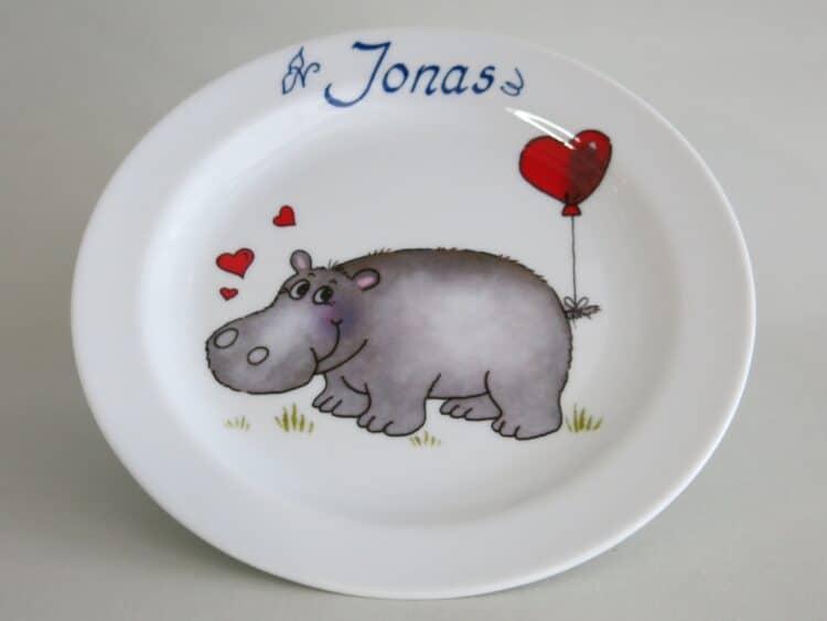 Frühstücksteller 19 cm mit Nilpferd mit Herz und Namen