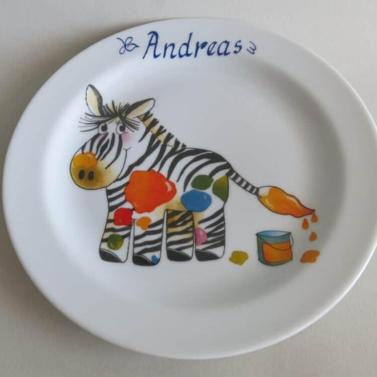 Kindergeschirr Porzellan flacher Teller 19cm mit Zebra und Namen