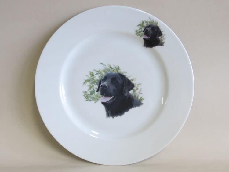 Teller Opty 21,5 cm mit Hundeportrait schwarzer Labrador.