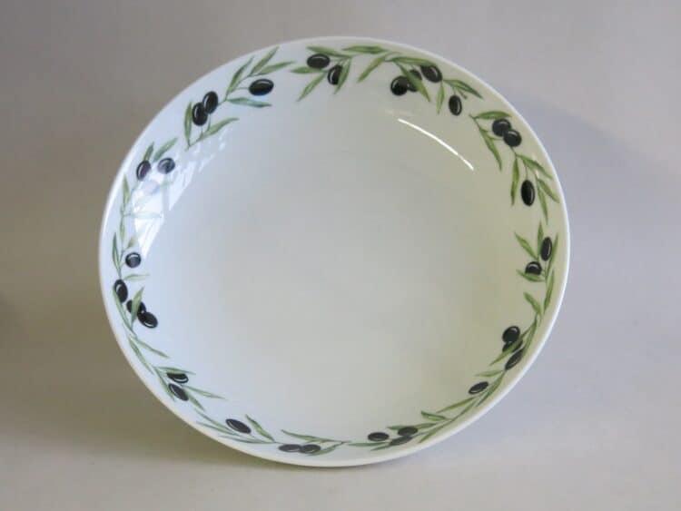 Tiefer Porzellanteller Ole mit kompletten Olivenrand