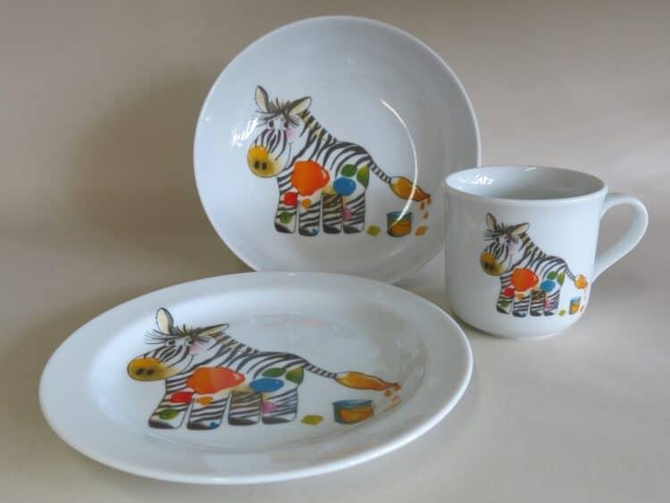Kindergeschirr Porzellan Set, kleiner Becher 230ml, tiefe Schale 18cm und flacher Teller 19cm mit Zebra