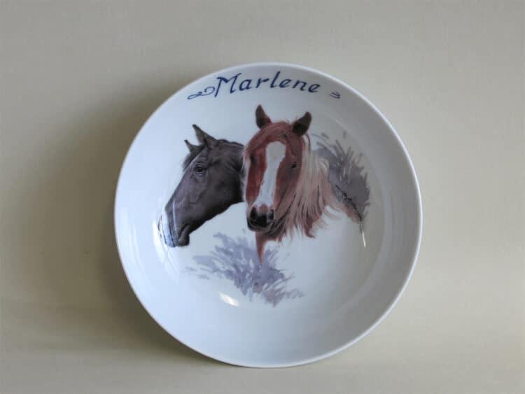 Frühstücksgeschirr Porzellan tiefe Schale 18cm mit Haflinger und schwarzem Pferd und Namen