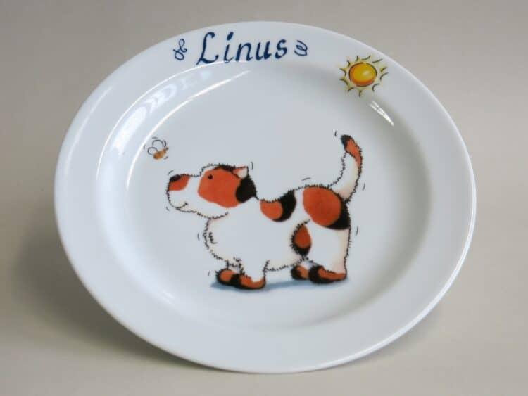 Frühstücksgeschirr Porzellan flacher Teller 19cm mit Hund mit Biene und Namen