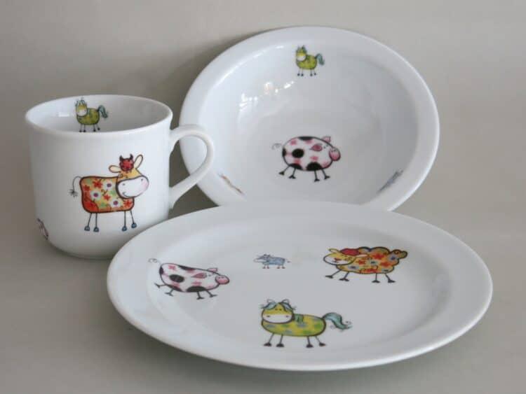 Kindergeschirr Porzellan Set kleiner Becher 230ml, Müslischüssel 16cm und flacher Teller 19cm mit Farm kunterbunt alle Farmtiere alle Farben