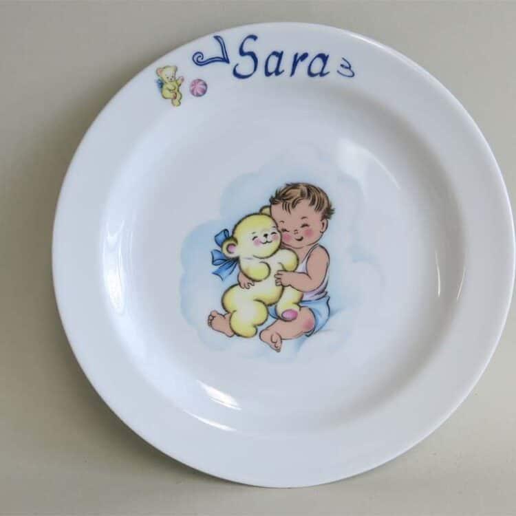 Porzellan Teller 19cm mit Baby und Schmuseteddy und Namen