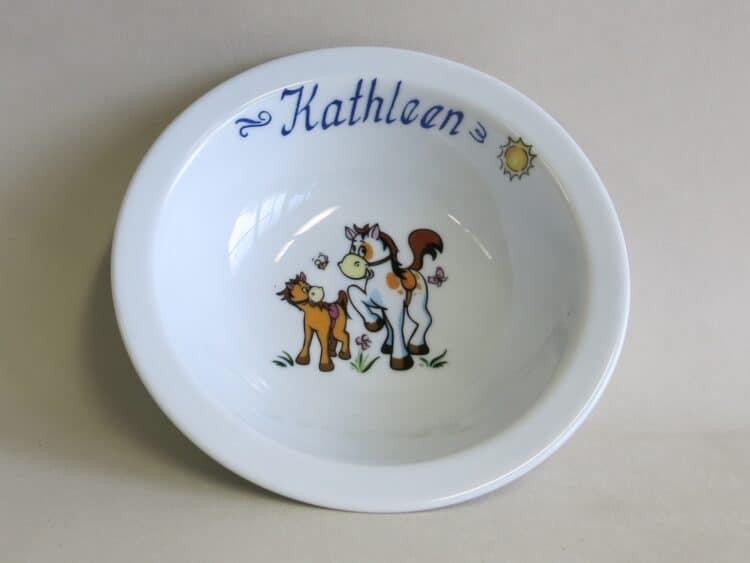 Weiße Müslischüssel 16 cm aus Porzellan mit Namen und Pferdchen mit Pony