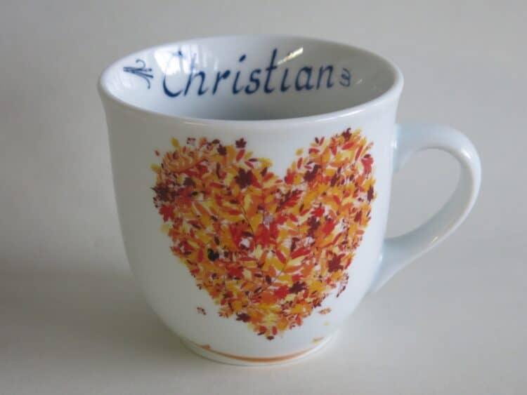 Frühstücksgeschirr Porzellan großer Becher Mirek mit Herbstherz mit Namen innen