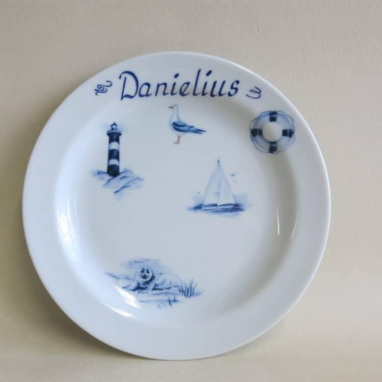 Kindergeschirr Porzellan flacher Teller 19cm mit maritimen Motiven und Namen