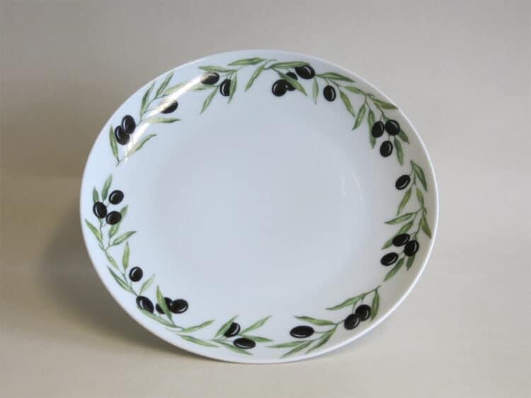 Flacher, glatter Porzellanteller Ole mit kompletten Olivenrand