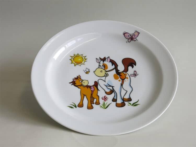 Weißer Frühstücksteller 19 cm aus Porzellan mit Pferchen und Pony