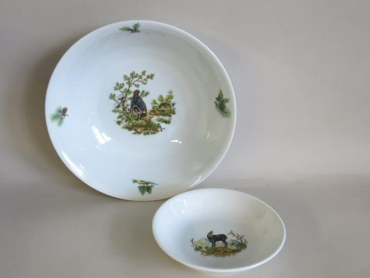 Glatte Porzellanschüssel Olympia 26 cm mit Rebhuhn und 13 cm mit Gemse