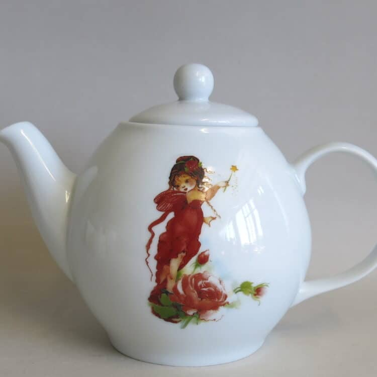 Teekanne aus weißem Porzellan mit elfe