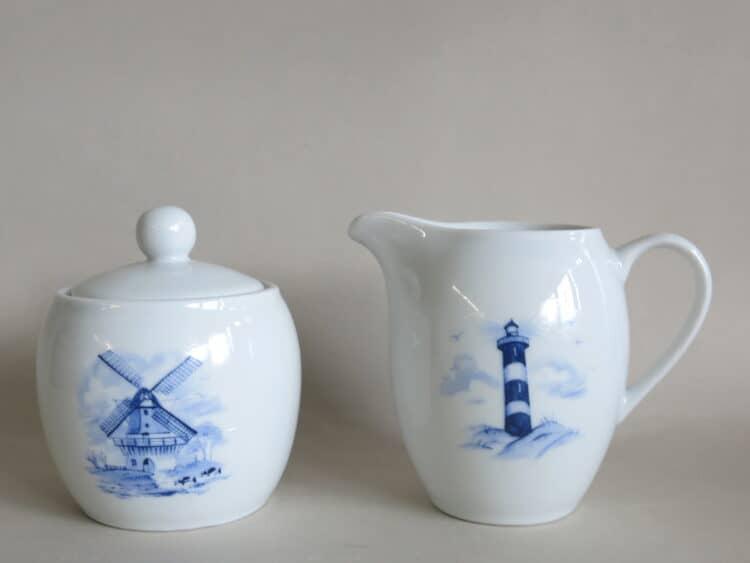 Porzellan Milchgießer Olympia mit Leuchtturm und Zuckerdose Windmühle