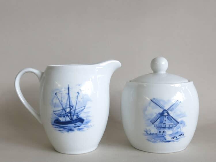 Porzellan Milchgießer Olympia mit Segelschiff und Zuckerdose Windmühle