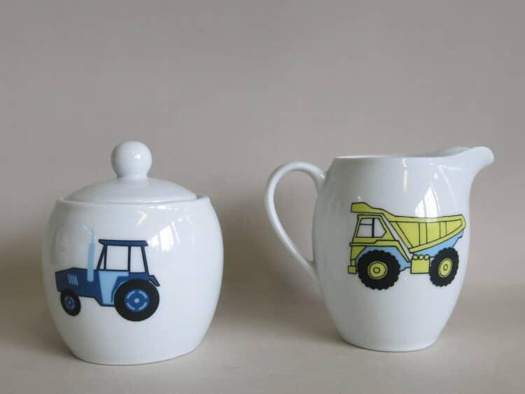 Porzellan Zuckerdose Traktor, Milchgießer LKW