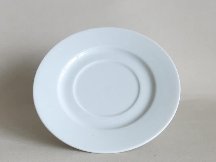 Weißer Porzellan Unterteller Clio