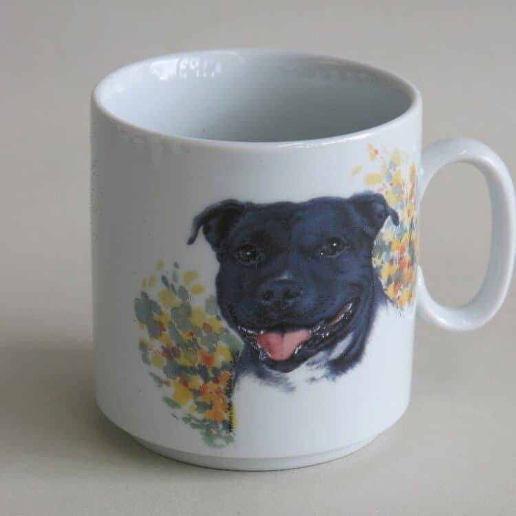 Namenstasse Porzellan gerader Becher Lukas 260ml mit Staffordshire Terrier