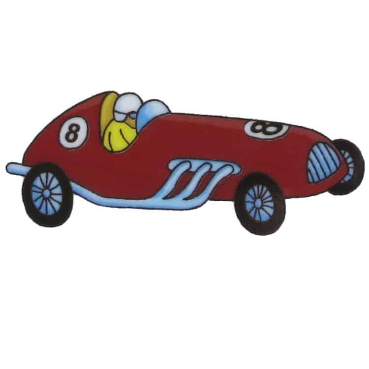 Kleiner roter Rennwagen mit der Nummer 8 und einer Rennfahrer