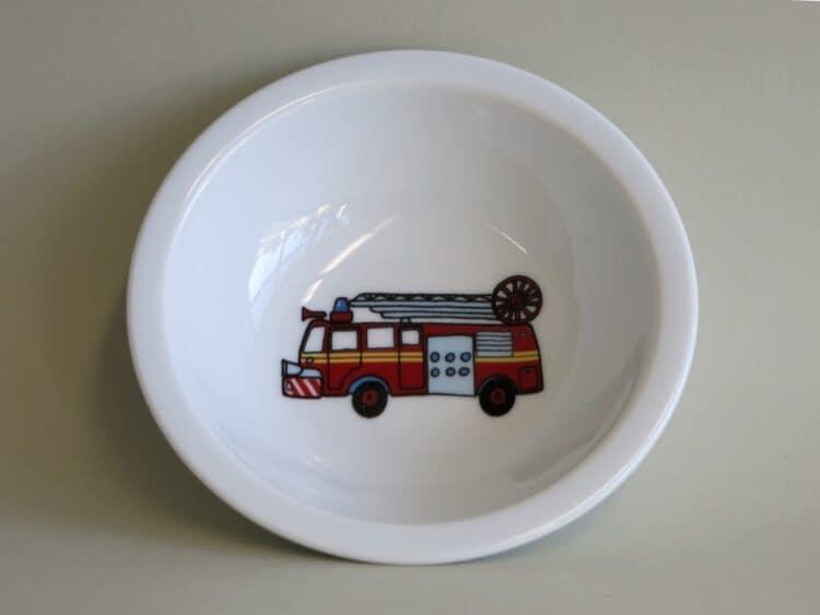 Robustes Kita Geschirr Scandia: kleine Schüsselm mit Feuerwehrauto