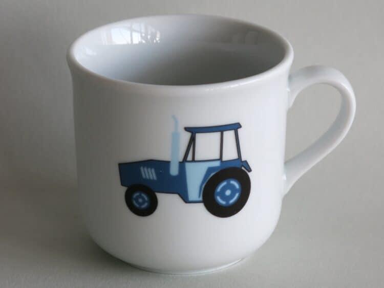 Kinderbecher 230 ml aus Porzellan blauem Traktor
