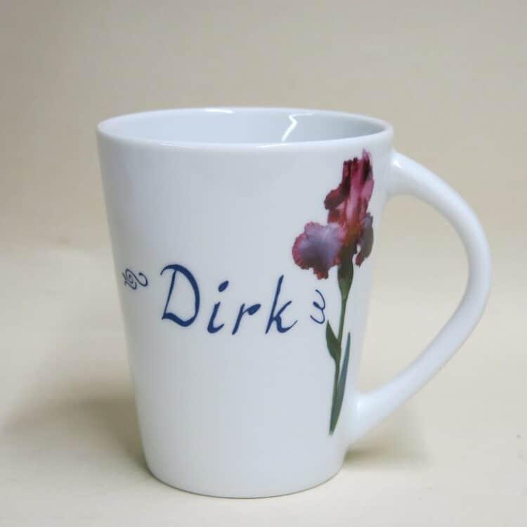 Namenstasse Porzellan Becher Clio mit moderner Blume Iris und Namen