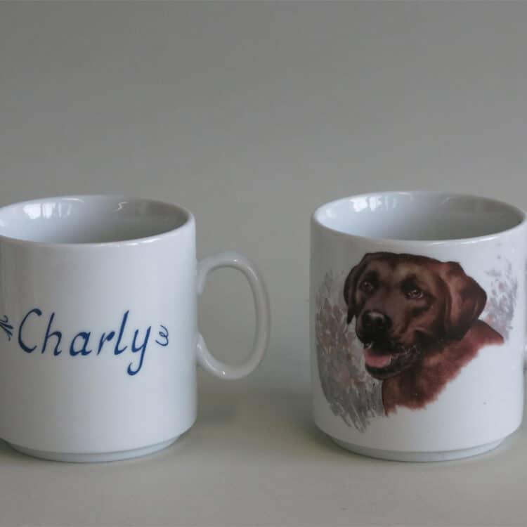 Namenstasse Porzellan gerader Becher Lukas 260ml mit braunem Labrador und Namen