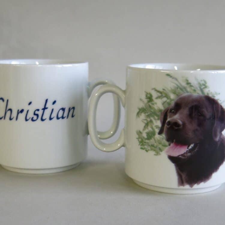 Namenstasse Porzellan gerader Becher Lukas 260ml mit schwarzem Labrador und Namen