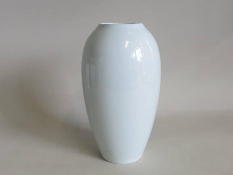 runde Porzellanvase aus weißem Porzellan