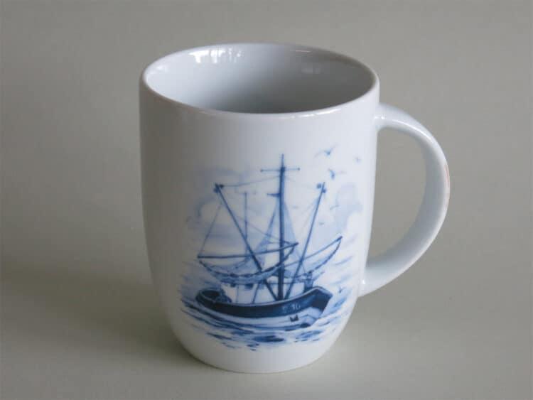 Porzellanbecher Daria 260 ml mit Segelschiff maritim