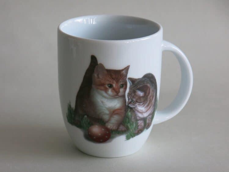 Frühstücksgeschirr Porzellan Becher Daria 260ml mit Kätzchen und Ball