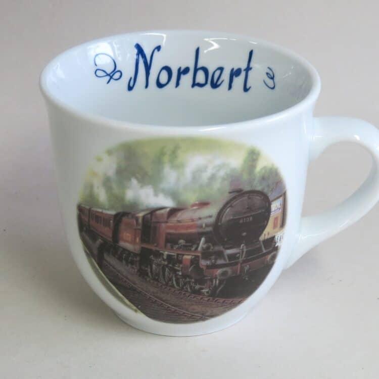 Namenstasse Porzellan großer Becher 400ml mit Royal Scot Eisenbahn und Namen innen