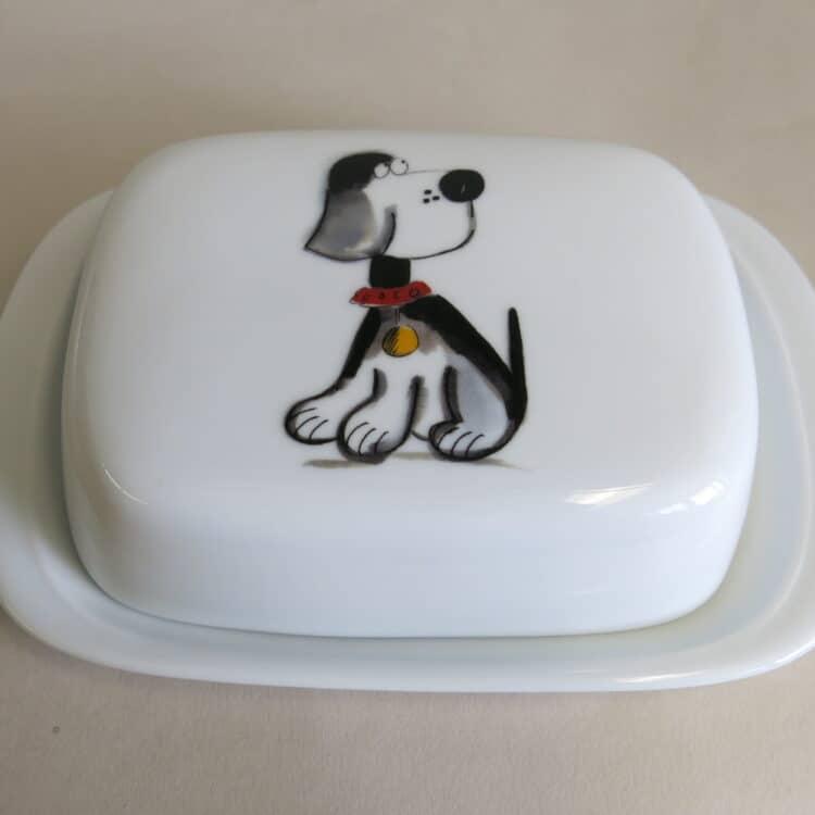 Butterdosen aus weißem Porzellan mit Beagle Hund Mimi