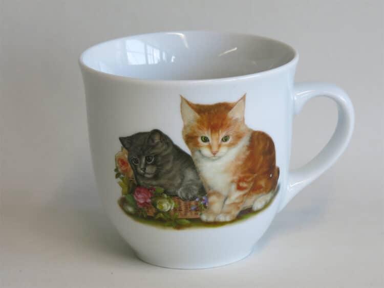 Frühstücksgeschirr Porzellan großer Becher Mirek 400ml mit 2 Kätzchen mit Rosen