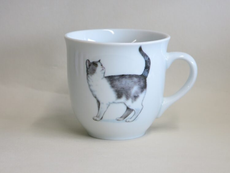 Frühstücksgeschirr Porzellan großer Becher Mirek 400ml mit schwarz weißer Katze Minni