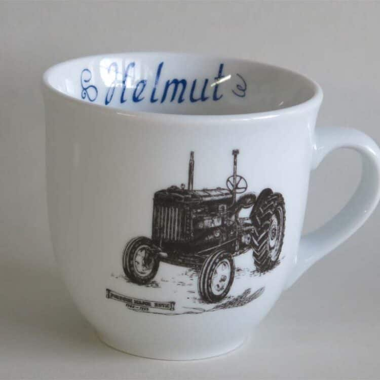 Namenstasse Porzellan großer Becher 400ml mit historischem Traktor Fordson Major und Namen innen