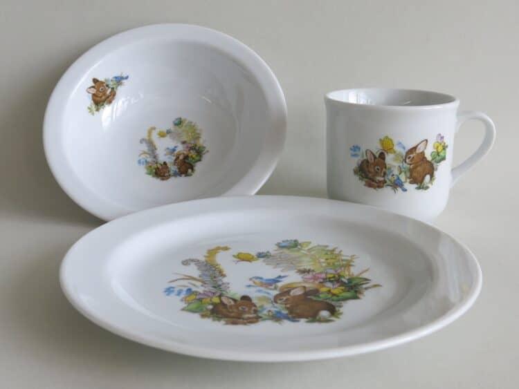 Set Müsli aus Müslischüssel 16 cm Teller 19 cm und Becher 230 ml mit Kaninchenbabies , Vogel und Schmetterling im Wald