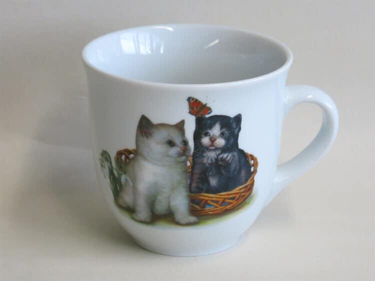 Frühstücksgeschirr Porzellan großer Becher Mirek 400ml mit Kätzchen und Schmetterling