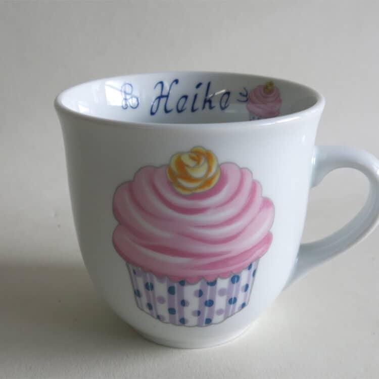 Namenstasse Porzellan großer Becher Mirek 400ml mit Cupcake Vanille und Namen innen
