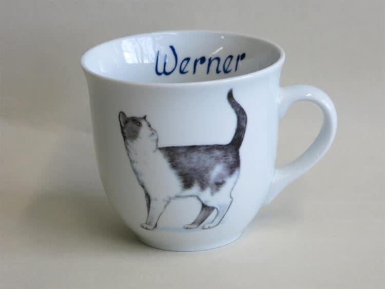 Namenstasse Porzellan großer Becher Mirek 400ml mit gru weißer Katze Minni und Namen innen