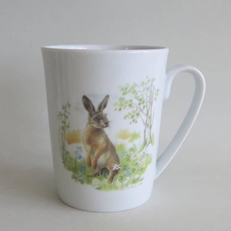 Frühstücksgeschirr Porzellan schmaler Becher Sissi mit rundem Henkel und Jagdmotiv Hase