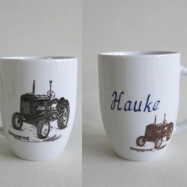 Frühstücksgeschirr Porzellan großer Becher Mirek mit historischem Traktor fordson major
