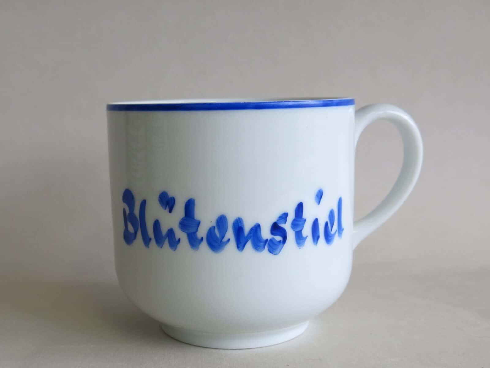 historische Namenstasse blaue Version nicht ins Sortiment genommen um 1970
