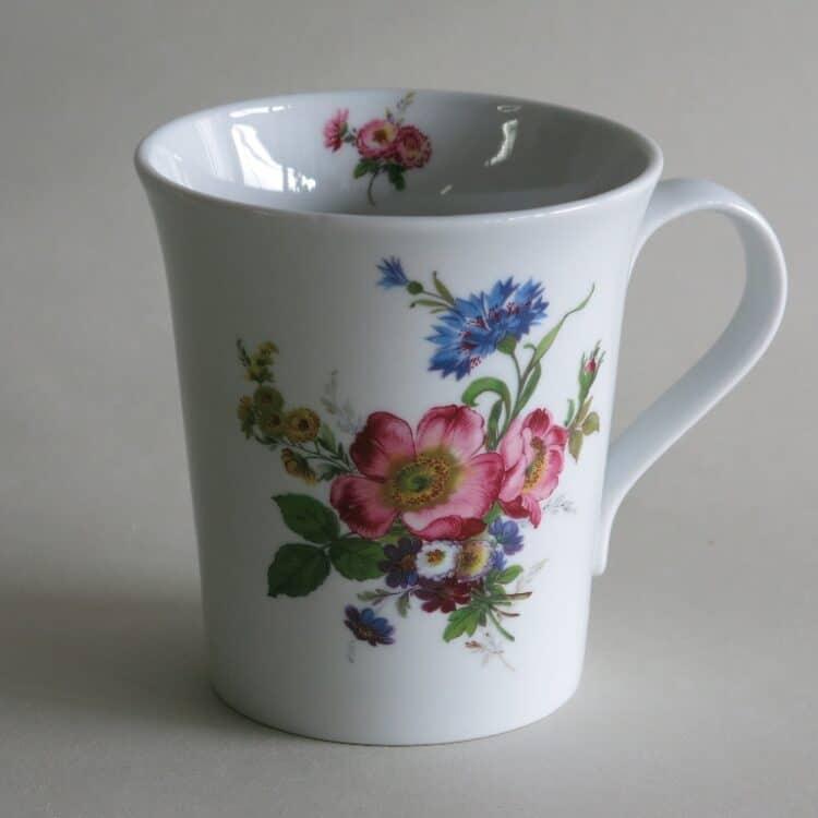 Frühstücksgeschirr Porzellan eleganter Becher Emma mit Blumenbukett 272 Wildrose und Kornblume