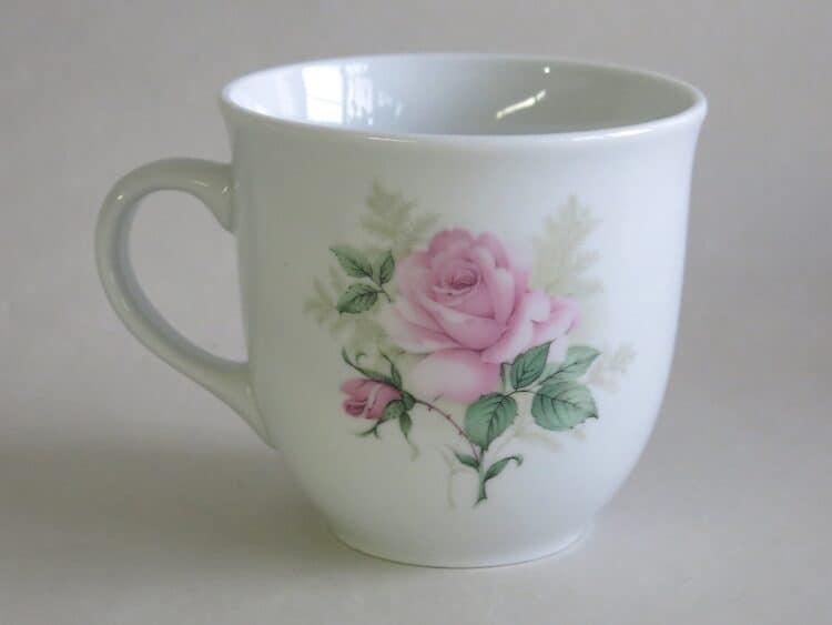 Becher Mirek mit rosa Rose Claremond Linkshändertasse